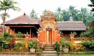 Rumah Mewah Adat Bali